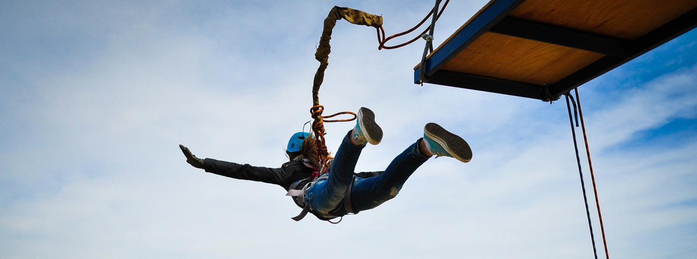 EXPERIENCE A FREE FALLING FROM A HEIGHT OF 43 METERS