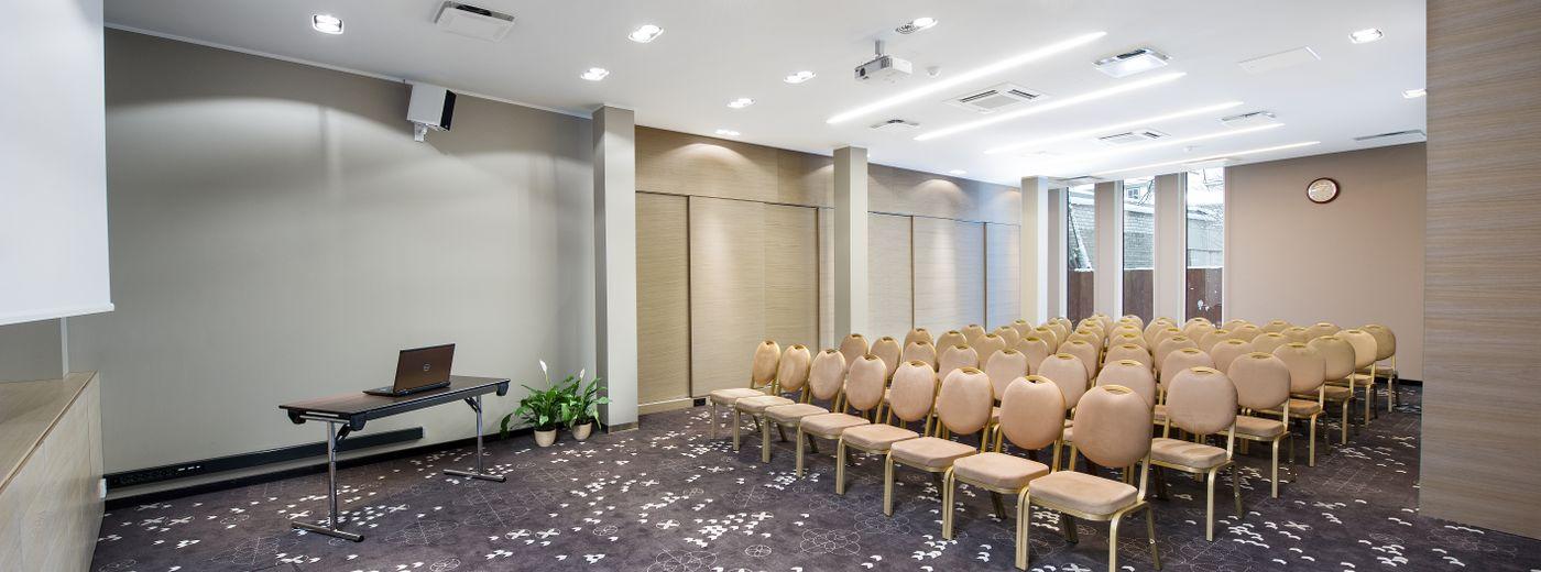 L'Ermitage Hotel Conference
