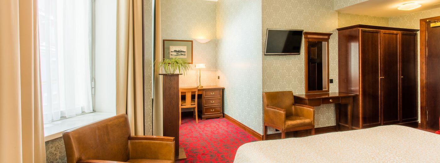 Hestia Hotel Barons Accommodation