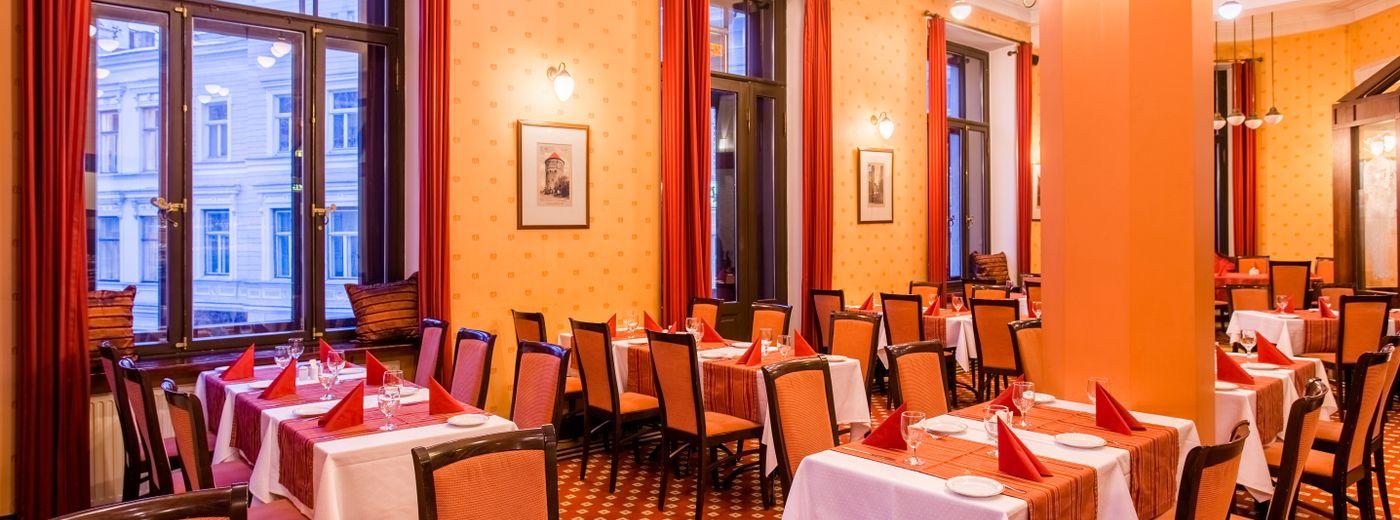 Hestia Hotel Barons Restaurant